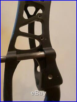 HOYT PRO COMP ELITE XT2000 COMPOUND BOW FLAT BLACK With ORANGE RH/26-27.5/55lb