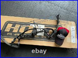 Hoyt Pro Comp Elite FX Bow Used For Advertising R/H 40-50lbs 24-25.5