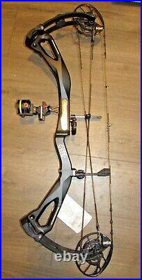 New PSE STEALTH CARBON AIR MACH 1 BOW right hand 70lb BLACK extras