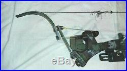 Oneida Eagle AERO FORCE BOW RH 30-50-70 LB 30-33 with Arrow Carrier