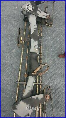 Oneida Eagle Tomcat Compound Bow Vintage 50-70 Lb Medium Draw Length