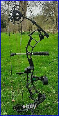PSE Bow Madness Unleashed Compound Bow R handed 47-70lbs. Never been fired