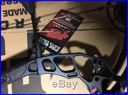 PSE Evo NXT 31 29 70lb Right Hand BLACK Camo Compound Bow