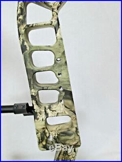 PSE Evolve 28 country camo, 70 lbs, Right Hand, compound bow