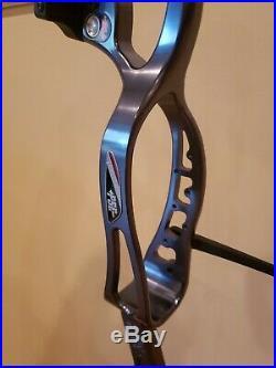 Pse Xpression Platinum 3d Target Bow Rh/26-31.5/60lb Mint Condition Save $$$$