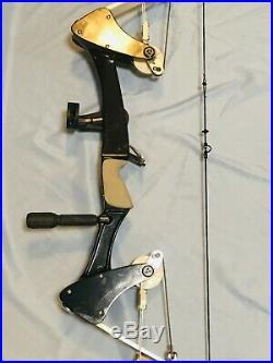 Rare Excellent Oneida Target Eagle Bow Fishing Hunt Right Med 45-65 LB Med