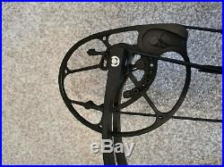 Topoint Compound Bow (Demonstrator)Black right handed 26-30 45-55lbs