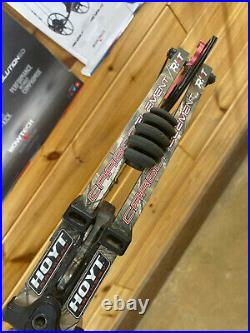 VERY NICE HOYT Carbon Element RKT REALTREE Camo Hunting Bow 28 70lb